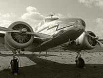 Altes Propellerflugzeug stockfotografie