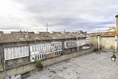 Altes Quadrat in der Stadt stockfotografie