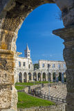 Altes römisches Amphitheater in den Pula Stockbilder