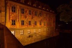 Altes Rathaus (gammalt stadshus) i Bamberg, Tyskland arkivfoton