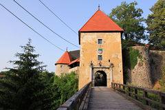 Altes romantisches Schloss in Kroatien lizenzfreie stockfotografie