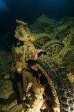Altes rostiges Motorrad innerhalb des Wracknamens ist SS Thistlegorm stockfotografie