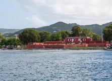 Altes rotes Fort auf St. Croix Coast Stockfotos