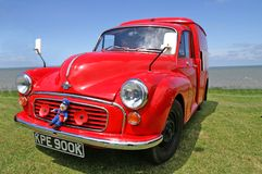 Altes rotes Postauto Stockbild