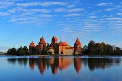 Altes rotes Schloss Lizenzfreies Stockfoto