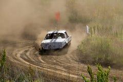 Altes ruiniertes Rennen der Autos auf Lager Lizenzfreie Stockbilder