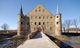 Altes ruiniertes Schloss Lizenzfreie Stockfotos