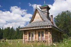 Altes russisches Haus Lizenzfreie Stockfotografie