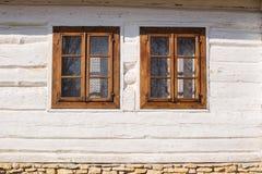 Altes rustikales weißes Haus Lizenzfreie Stockbilder
