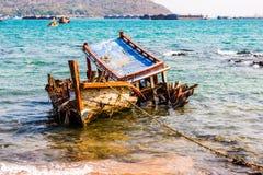 Altes Schiff des Hintergrundes aufgelöst Stockbilder