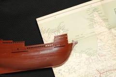 Altes Schiff und Karte Stockbilder