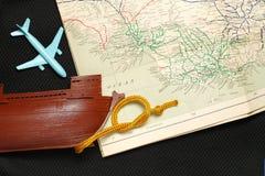 Altes Schiff und Karte Lizenzfreie Stockfotografie