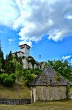 Altes Schloss an der richtigen Stelle Gradacac, Bosnien und Herzegowina Lizenzfreie Stockbilder