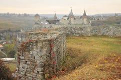 Altes Schloss herein in Kamianets-Podilskiy am Abend 2 Stockbild