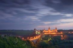 Altes Schloss mit Beleuchtung Lizenzfreie Stockbilder