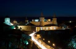 Altes Schloss nachts Lizenzfreie Stockfotografie