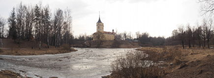 Altes Schloss in Pavlovsk, Russland lizenzfreie stockfotos