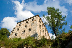 Altes Schloss vom 14 Jahrhundert in Pieskowa Skala Lizenzfreies Stockbild
