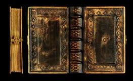 Altes schwarzes ledernes Buch mit dem Messingrahmen-, Verschluss- und Goldende über dem Leder lizenzfreie stockfotografie