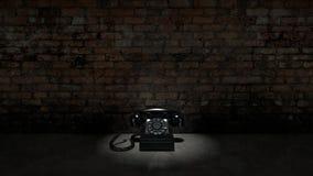 Altes schwarzes Telefon auf Backsteinmauer lizenzfreie abbildung