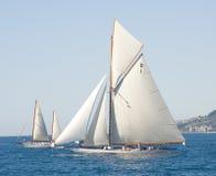 Altes Segelnboot in den Imperia Stockbilder