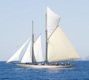 Altes Segelnboot in den Imperia Stockfotos