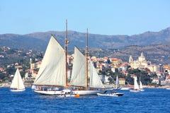 Altes Segelnboot in den Panerai Klassiker-Yachten Stockfotos