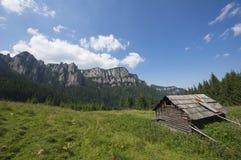 Altes sheepfold auf dem Berg Lizenzfreie Stockfotos