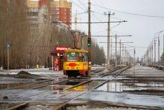 Altes sowjetisches Trammodell KTM-5M3 (71-605) in Volzhskij Stockfotografie