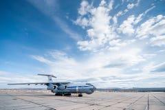 Altes sowjetisches Transportflugzeug IL-76 Lizenzfreie Stockfotos