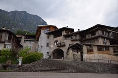 Altes Stadtdorf Rango Trentino, Auswahl eine des schönsten Dorfs in Italien stockfoto