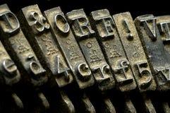 Altes staubiges Schreibmaschinendetail Stockfoto