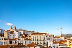 Altes steet Lissabons Portugal Bogen und Treppe Gebäudefassade Chu Stockfotografie