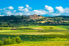 Altes Steindorf Casale Marittimo in Maremma Toskana, Italien lizenzfreie stockfotos