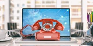 Altes Telefon und ein Laptop in einem Büro Abbildung 3D Lizenzfreies Stockfoto