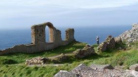 Altes Tin Mine bleibt auf Klippen in Cornwall Großbritannien Lizenzfreies Stockfoto