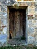 Altes Tor in einer Abteiwand Lizenzfreies Stockfoto