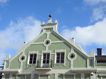 Altes umweltgerechtes Haus, Lettland lizenzfreie stockbilder