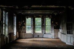 Altes verlassenes Gebäude lizenzfreies stockfoto