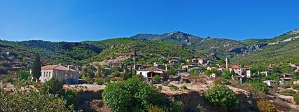 Altes verlassenes griechisches/türkisches Dorf von Doganbey, die Türkei Stockbilder