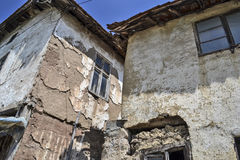 Altes verlassenes Haus Stockfotos