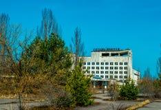 Altes verlassenes Haus in der Geisterstadt von Pripyat, Ukraine Konsequenzen einer Kernexplosion am Kernkraftplan Tschornobyls lizenzfreie stockbilder