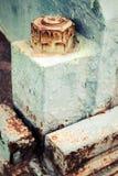 Altes verrostetes industrielles Fragment, nuts und Bolzen Stockfotografie