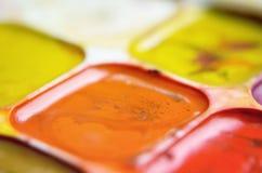 Altes verwendetes Aquarellfarben-Kastenmakro Lizenzfreie Stockbilder