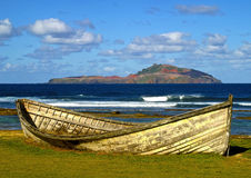 Altes Walfangboot auf Kingston-Küstenvorländern Lizenzfreie Stockfotografie