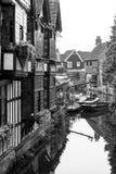 Altes Weber-Haus auf dem Fluss Stour Canterbury, Kent, Großbritannien Stockfotos
