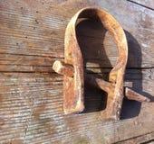 Altes Werkzeug auf dem Bauernhof Stockfoto