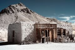 Altes westliches luftgetrockneter Ziegelstein Gebäude Lizenzfreie Stockfotografie