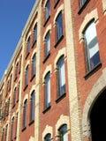 Altes Ziegelstein-Gebäude lizenzfreies stockbild