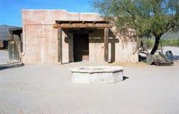 Altes Ziegelstein-Gebäude in der Wüste Lizenzfreie Stockfotos